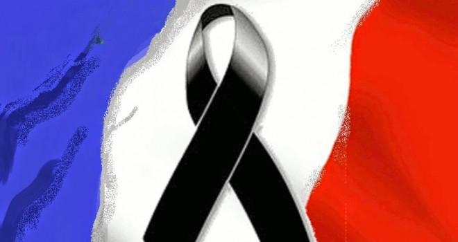 Strage di Parigi - Un minuto di silenzio in tutti i campi