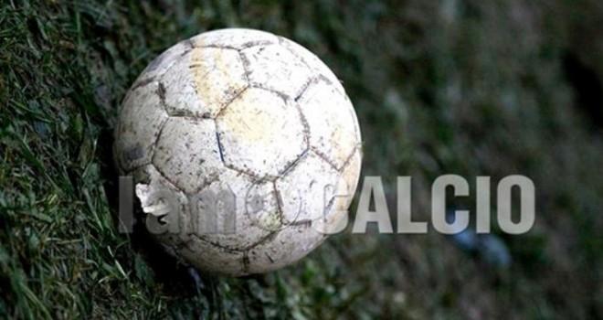 Morto un calciatore durante una gara di over 35 a Paterno