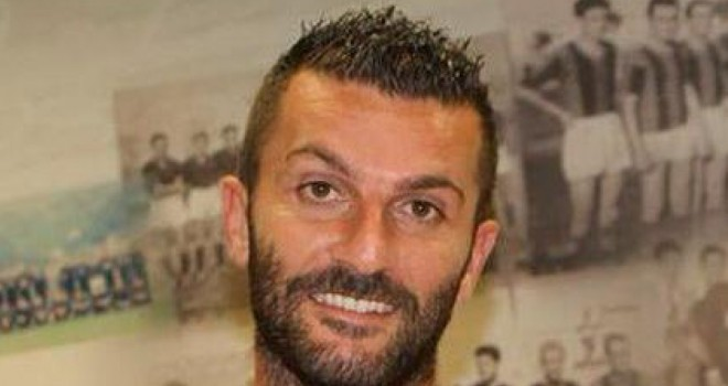 Il difensore centrale Roberto De Giosa