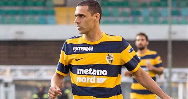 Verona - Benevento 1-0. Giallorossi un'ora in 10 uomini, decide Romulo