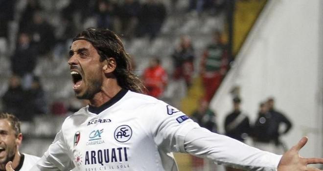 Il Benevento s'impone allo Spezia, vola alle semifinali dei play-off