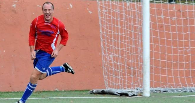 Luca Barbieri, 34 anni festeggiati a suon di gol
