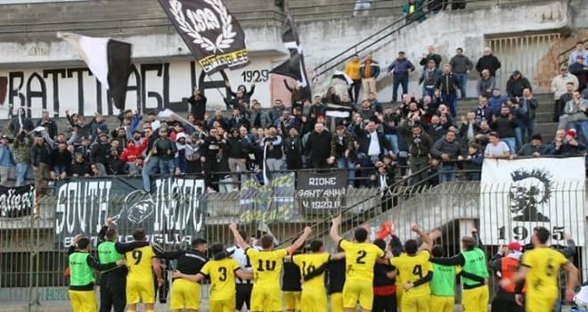 Battipagliese, i tifosi si schierano: no alla riconferma di Tudisco