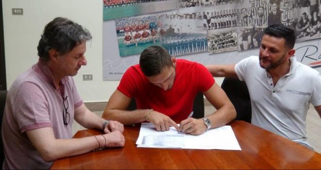 """Milinkovic-Foggia, ecco la firma. """"Arrivo con 6 mesi di ritardo"""""""