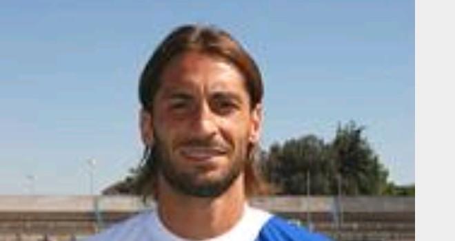 L'attaccante del Melfi Diego Albano