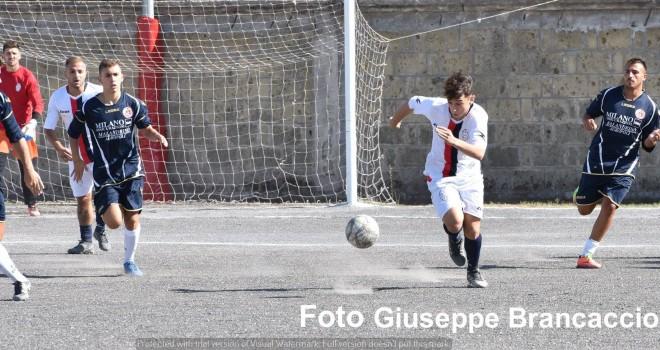La Picciola supera l'Angri: 4 gol e 2 espulsioni