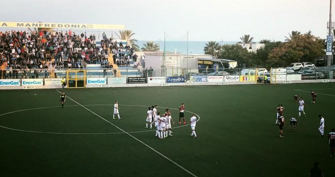 """VIDEO - Cerignola """"solo"""" di misura sul Manfredonia: è 2-1 gialloblu"""