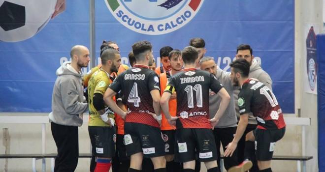 Calcio a 5/B. Sandro Abate e Marigliano scappano. Cade Salerno