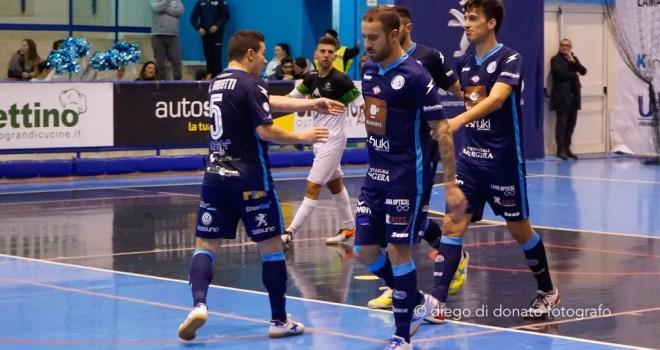Il Lollo Caffè Napoli riparte con una vittoria, cinquina all'IC Futsal
