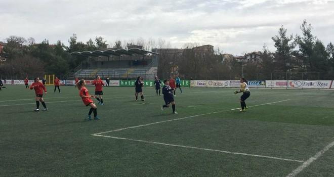 Calcio femminile, spettacolo al Curcio: 5-3 per il Picerno sul Vejanum