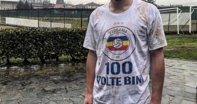 Maglia celebrativa per i 100 gol di Bini