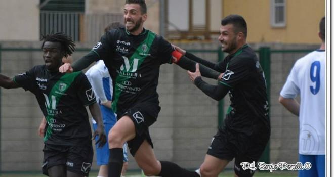 Il Corato, in dieci, rimonta due gol all'Unione Calcio Bisceglie