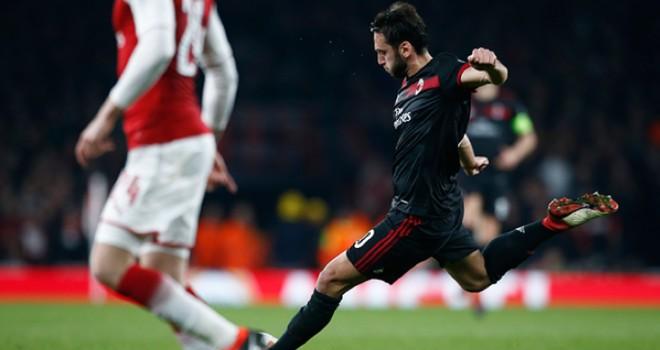 """Arsenal-Milan 3-1, Çalhanoğlu: """"Rigore incredibile, assurdo in Europa"""""""