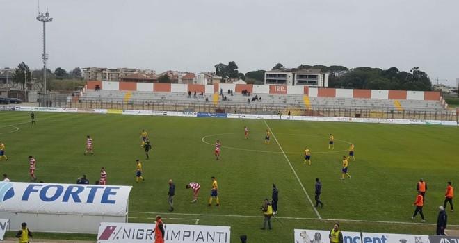 """Pari con gol tra Altamura e Cerignola: è 2-2 al """"D'Angelo"""""""