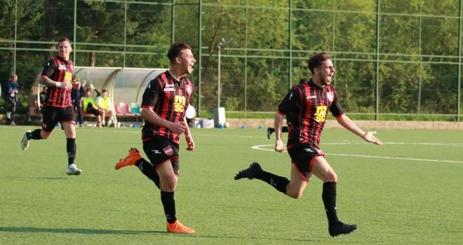 Virtus Avellino-Sorrento 0-1, rossoneri allo spareggio promozione