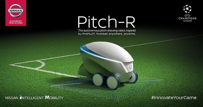 Champions League. Nissan presenta il robot che traccia campi da calcio