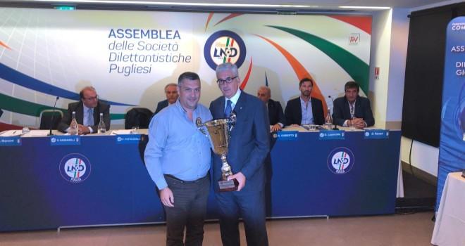 Don Uva: consegnata la coppa per la vittoria in Prima Categoria