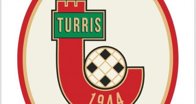 La Turris vince a Gela, il Bari rimanda la festa promozione