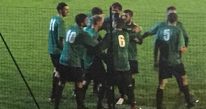 Mongrando esulta dopo il gol di Spalla