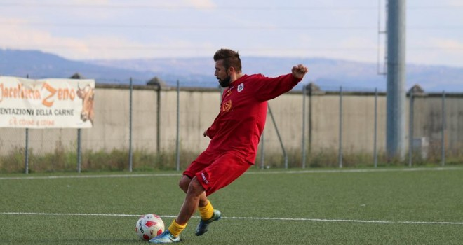 Il centrocampista Liviu Anthoi