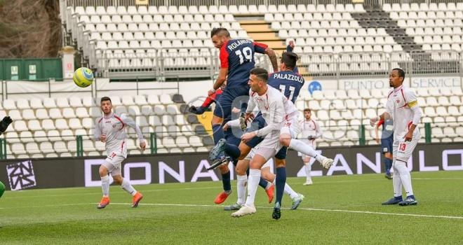 E' big Gozzano, demolito il Cuneo: 4-0 rossoblu