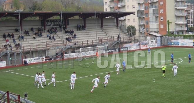 Il Borgosesia festeggia il gol