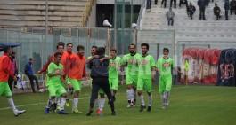 La Gelbison vince in 9 contro il Gragnano, Sarnese beffata dall'Andria