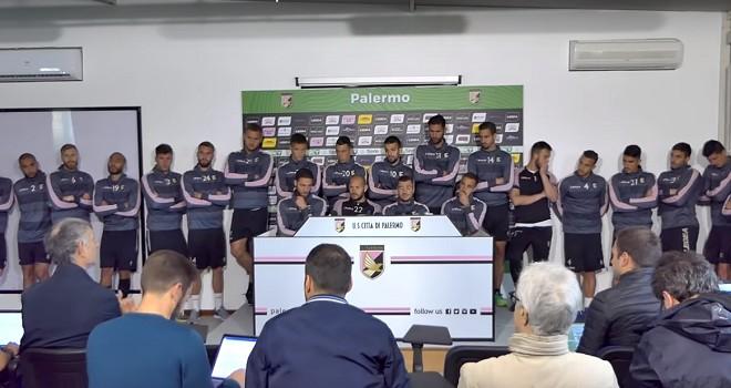 I calciatori del Palermo in conferenza