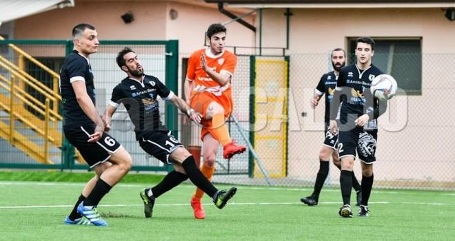 Ardizzoia sigla il 2-1 per l'Oleggio