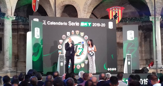 Calendario Spezia Calcio.Salernitana Esordio Col Pescara Chiusura Con Lo Spezia Il