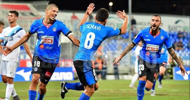 Schiavi celebra il gol del 2-0