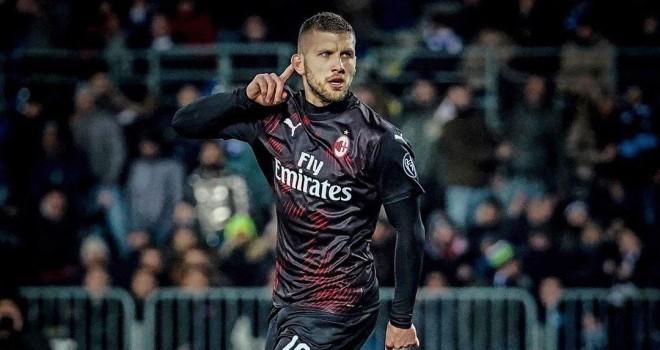 Il Lecce non c'è: il Milan vince facile 4 a 1
