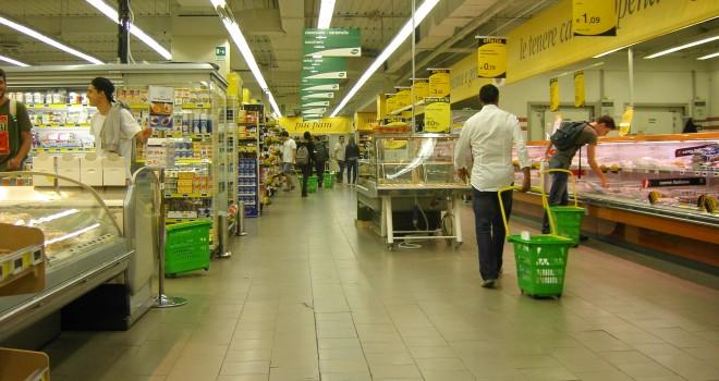 """Coronavirus, il Governo: """"Supermercati resteranno aperti nel weekend"""""""