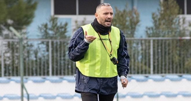 L'allenatore del Pineto Marco Pomante
